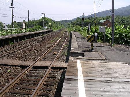 仁山駅ホーム2