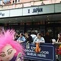 Photos: @shoujinoriko 今からXJAPANロンドンデビューライヴです!!hideも来て...