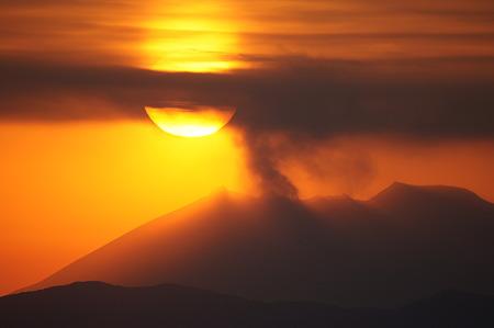 桜島に沈む夕陽 @ 都城市の金御岳  DSC04101