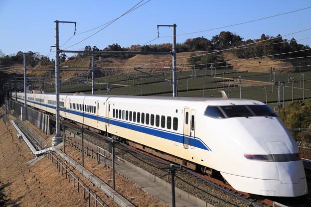 Photos: 新幹線 300系 後追い