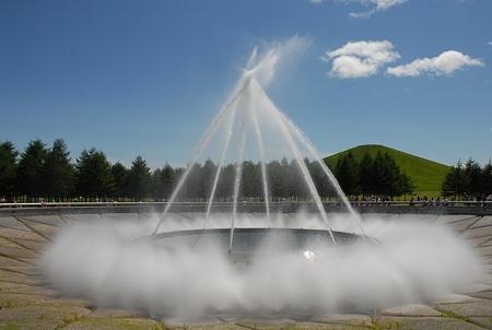 札幌・モエレ沼公園/海の噴水「アーチ噴水」