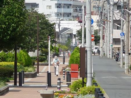 110622-東横廃線 東白楽→反町 (59)