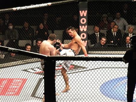 UFC 144 福田力vsスティーブ・キャントウェル (3)