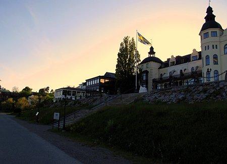夕暮れ・ホテル・グランド・サルツショーバーゲンにて。