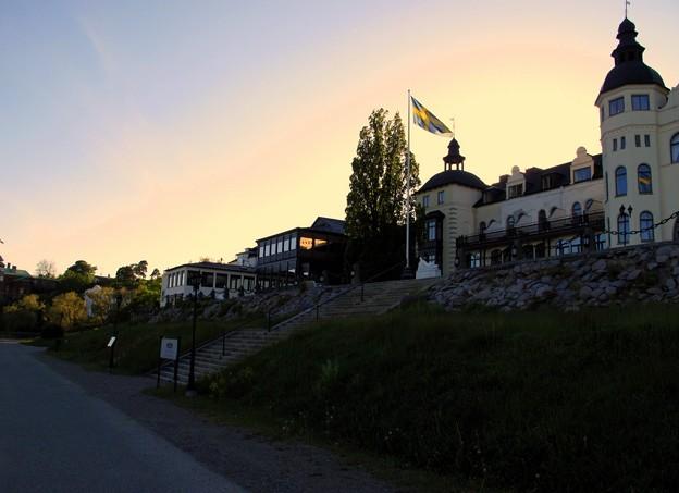 写真: 夕暮れ・ホテル・グランド・サルツショーバーゲンにて。