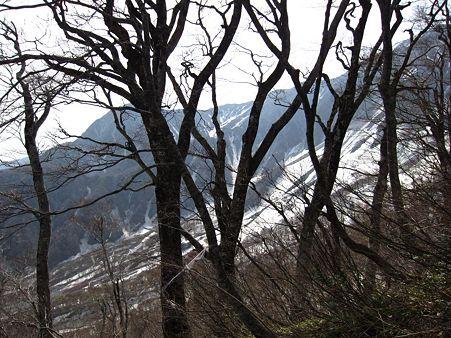 c-110506-084703 弥山・剣が峰が見える
